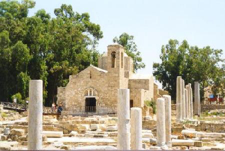 St Pauls Pillar in Paphos - a wedding photo opportunity