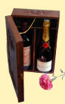 Fill the wine presentation box with wines or champagne of your choice